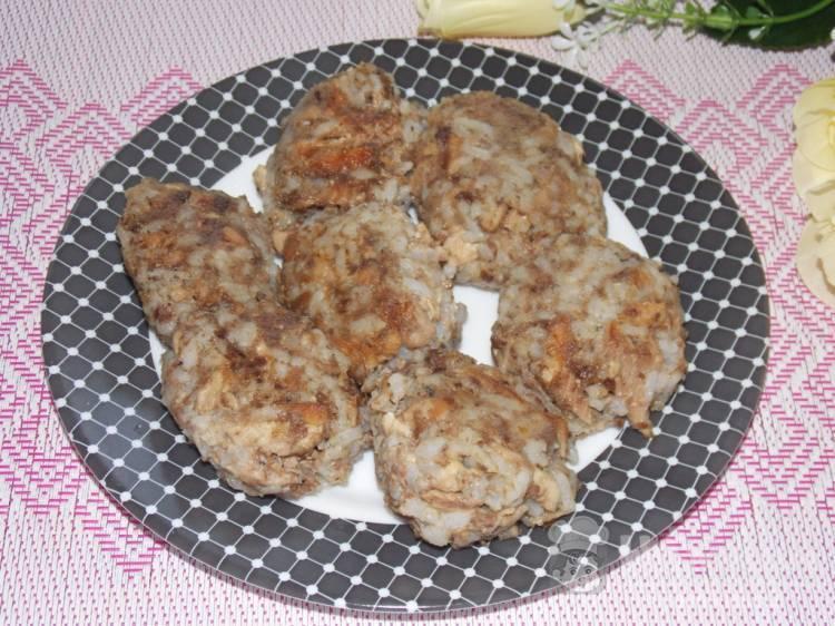 Котлеты из рыбных консервов — рецепты (с рисом, манкой, картофелем), как приготовить из сардин, сайры