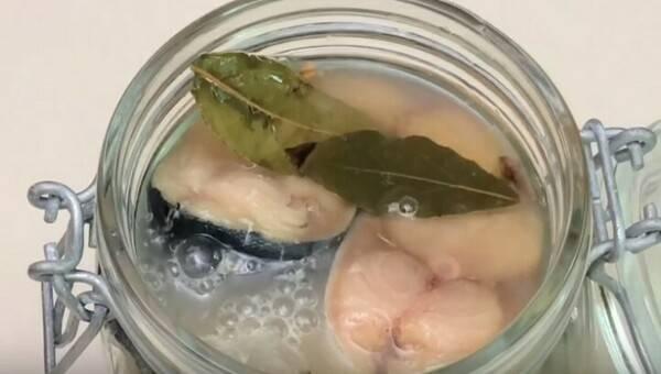 Засолка скумбрии сухим способом. очень вкусная малосольная скумбрия целиком  | народные знания от кравченко анатолия