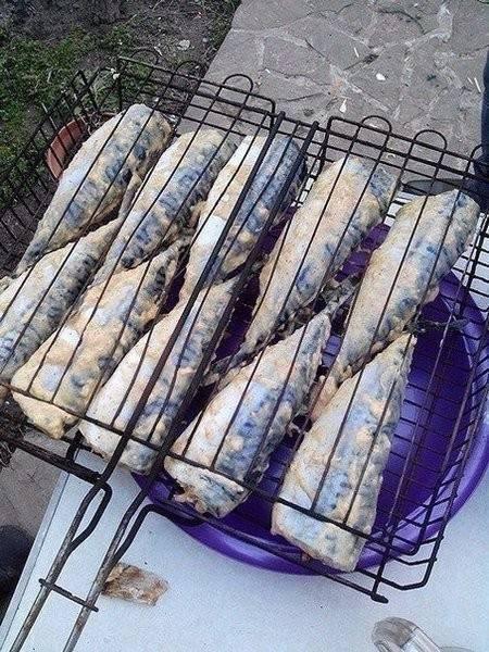 Шашлыки из рыбы на мангале