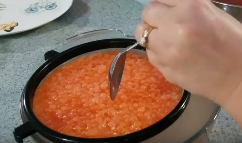 Икра карася на сковороде