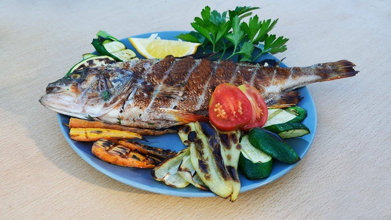 Какую рыбу лучше жарить на мангале и как приготовить рыбный шашлык