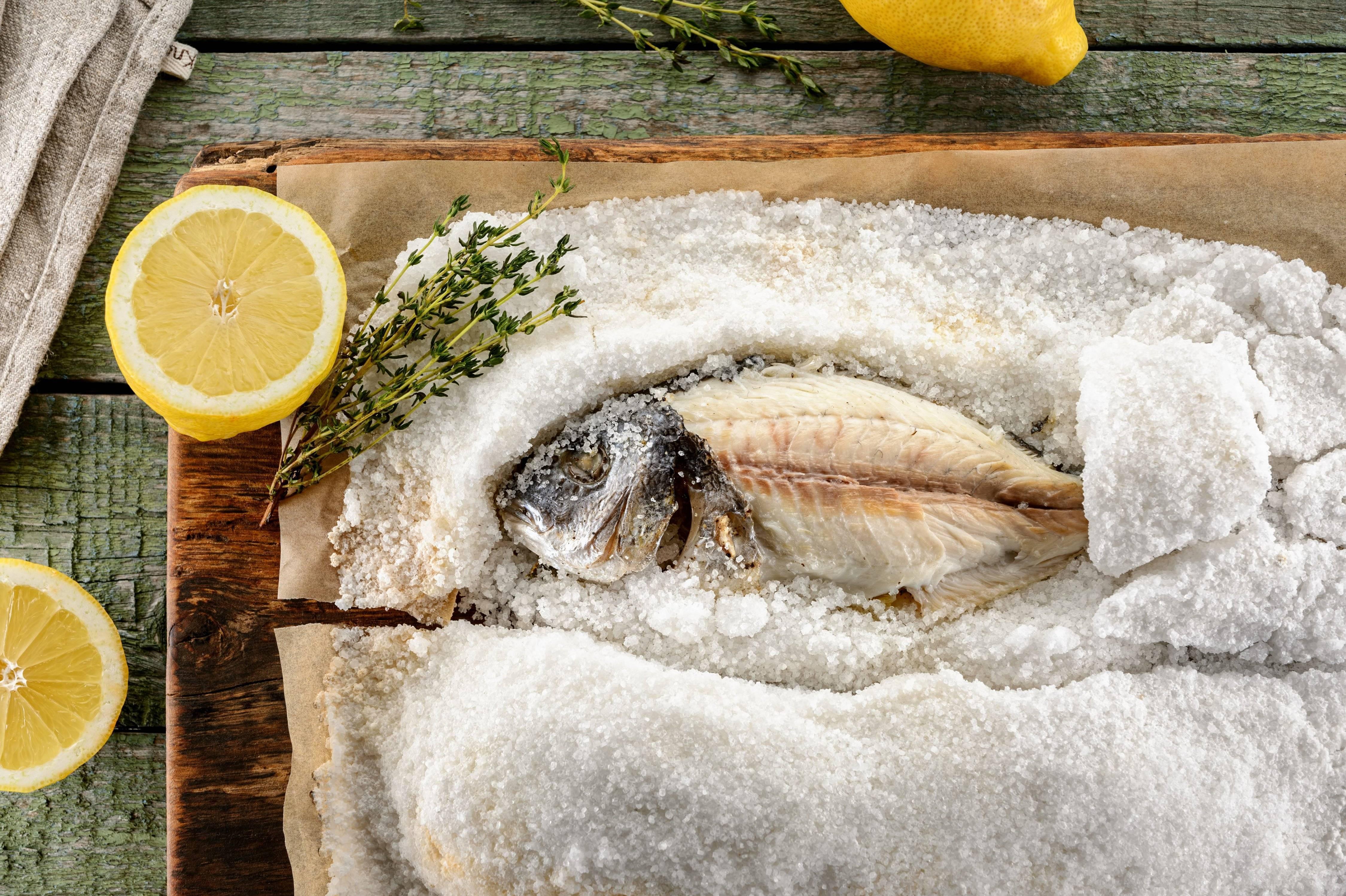 Рыба в соли в духовке - рецепт