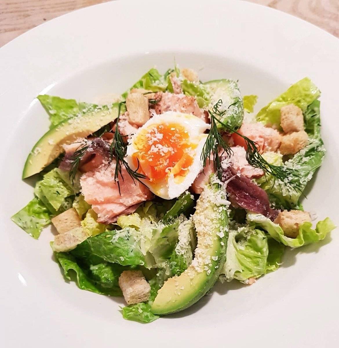 Салат с лососем (58 рецептов с фото) - рецепты с фотографиями на поварёнок.ру