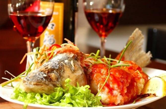 Какое вино правильно подать к рыбе или мясу