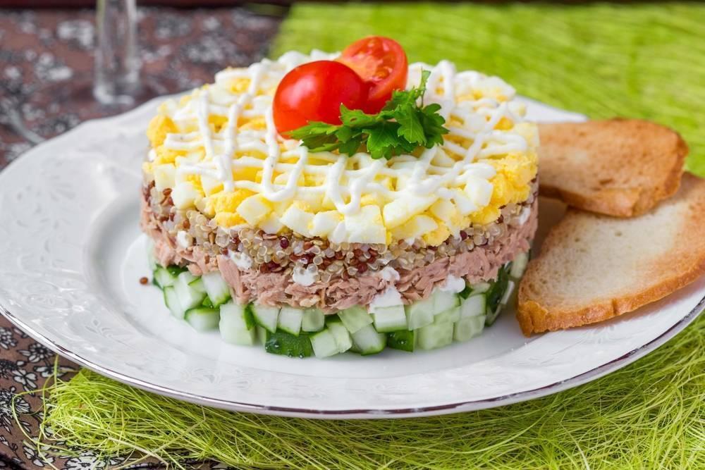 Рецепт: салат с рисом и рыбой