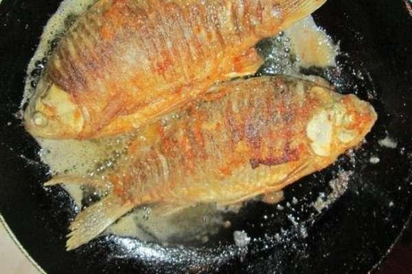 Рыбные котлеты из карася