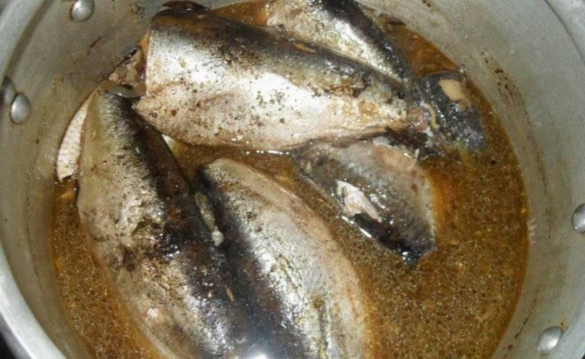 Консервы из речной рыбы в мультиварке