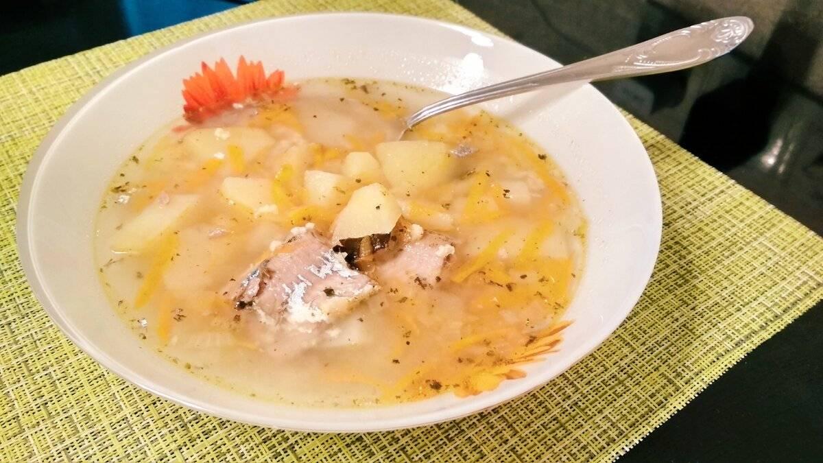 Быстрый суп из рыбной консервы с рисом