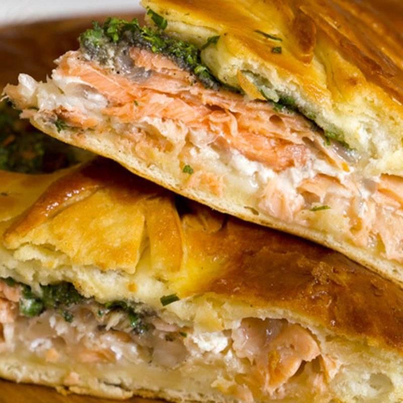 Пироги с рыбой из слоеного теста: пошаговые рецепты с фото