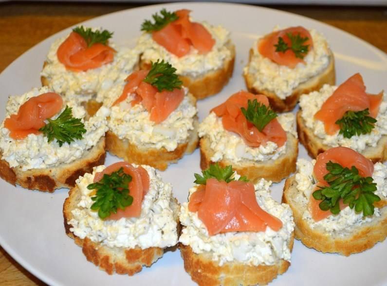 Бутерброды с красной рыбой: рецепты с фото, оформление для праздничного стола