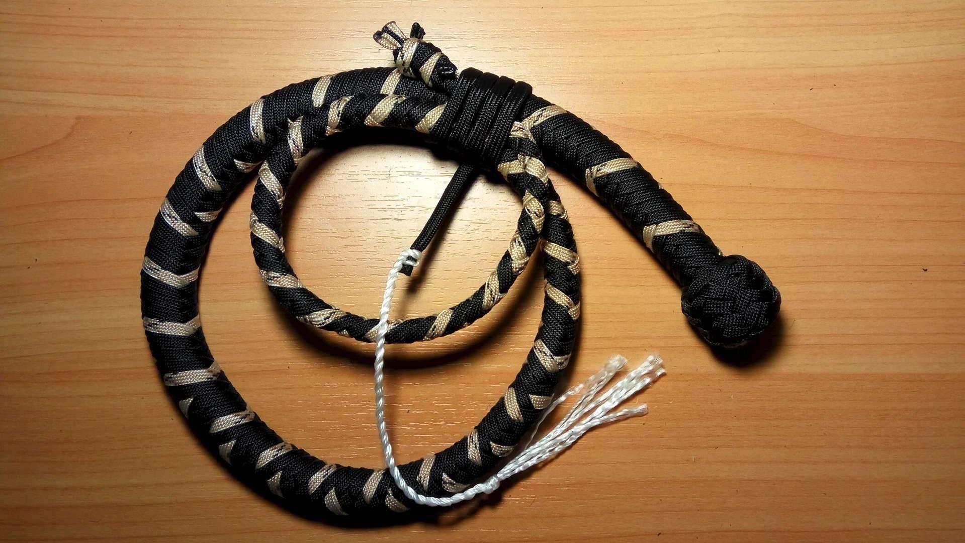 Темляк для ножа: история возникновения, виды и функции, схемы для плетения из паракорда и кожи своими руками