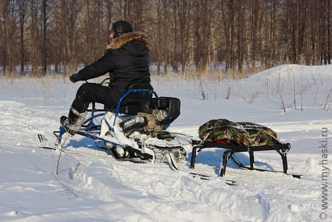 Какой мини-снегоход для рыбалки выбрать: основные преимущества и недостатки мотосаней, обзор мотоснегоходов