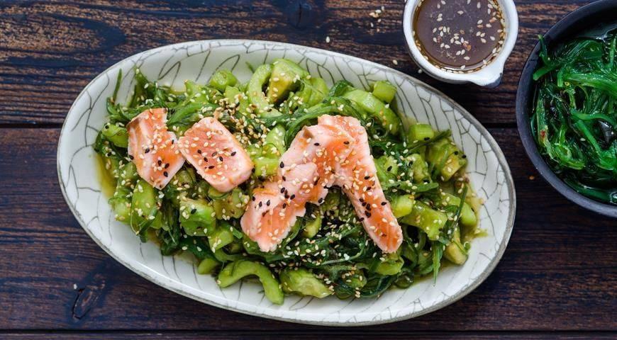 Салат с авокадо и семгой: рецепты домашних деликатесных блюд