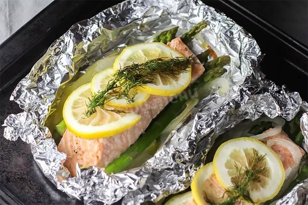 Форель в запеченная духовке целиком: 9 лучших рецептов для гостей