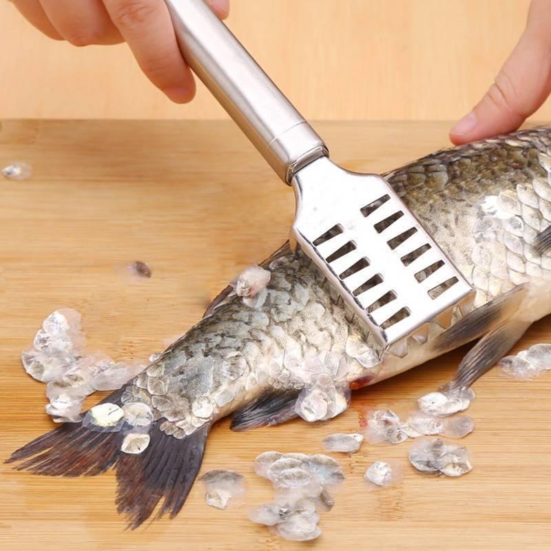 Нож для чистки рыбы от чешуи