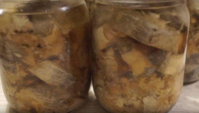 Как приготовить рыбные консервы в томате в домашних условиях?