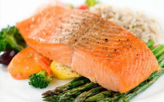 Как приготовить стейк из лосося на гриле — 2 оригинальных рецепта