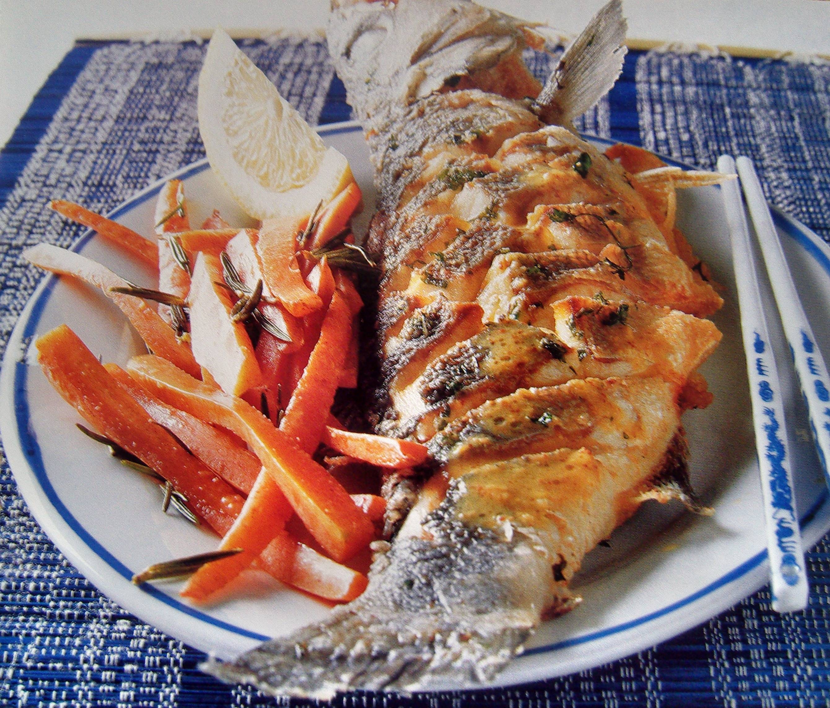 Морской окунь в духовке: 10 лучших рецептов