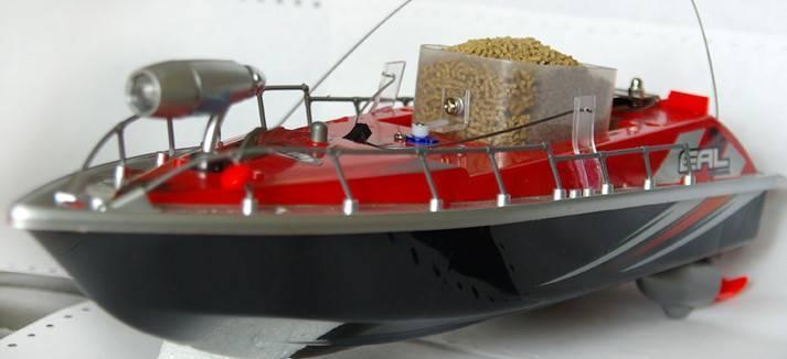 Прикормочный кораблик для рыбалки - лучшие модели в 2020 году