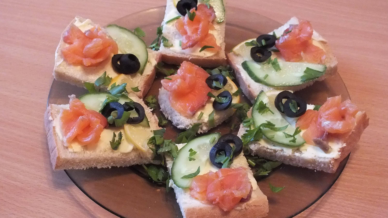 Бутерброды с красной рыбой - топ-3 самых вкусных рецепта!