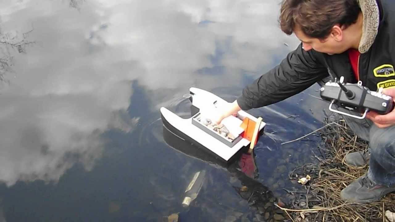 Как сделать прикормочный кораблик для завоза прикормки и оснастки своими руками с минимальными затратами