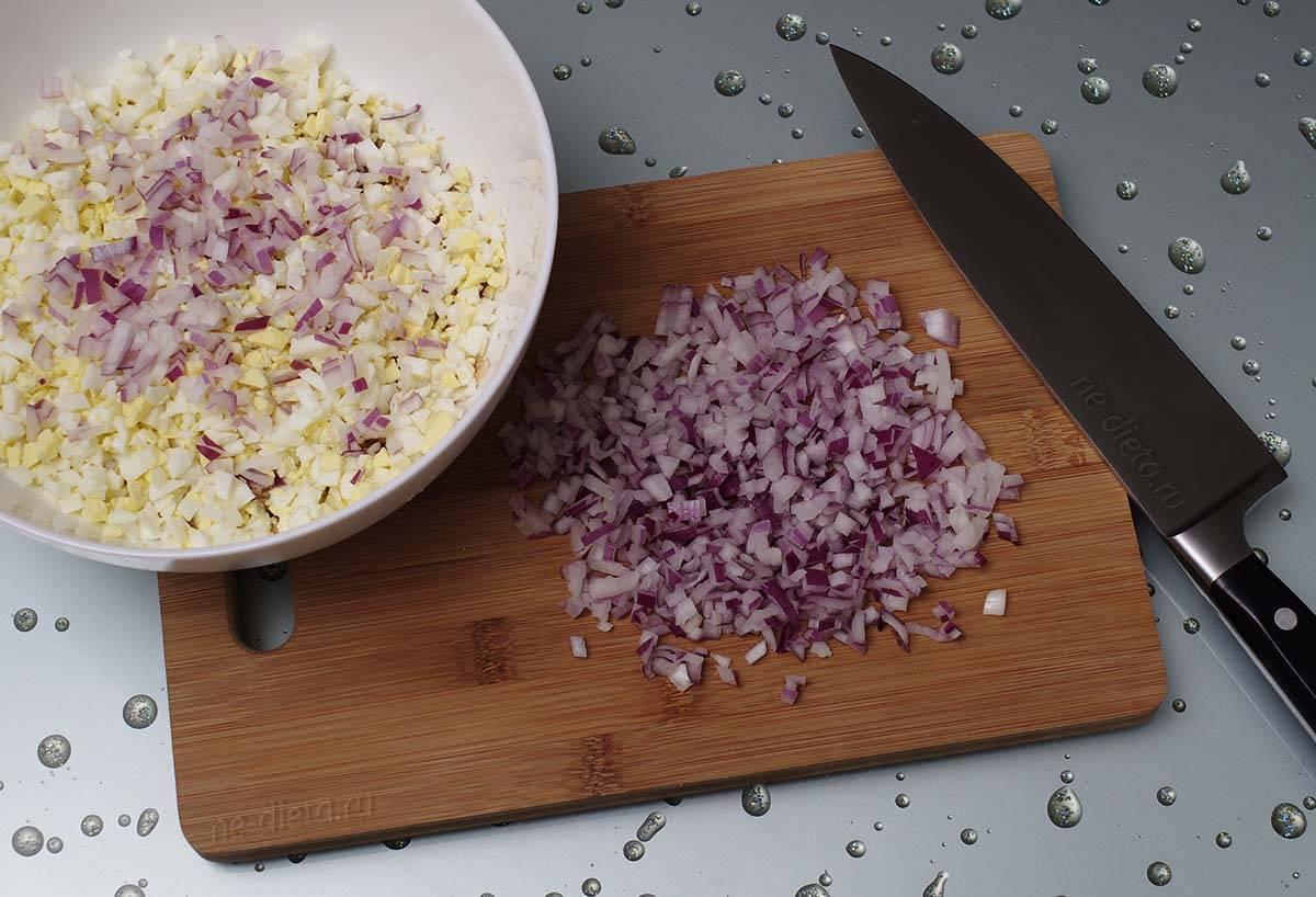 Классический салат «мимоза» — рецепты с рисом, консервированной рыбой и яйцом