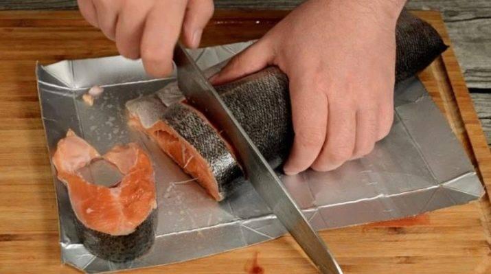 Как почистить замороженную горбушу от чешуи. как почистить горбушу для запекания. как разделать горбушу на филе. избавляемся от внутренностей