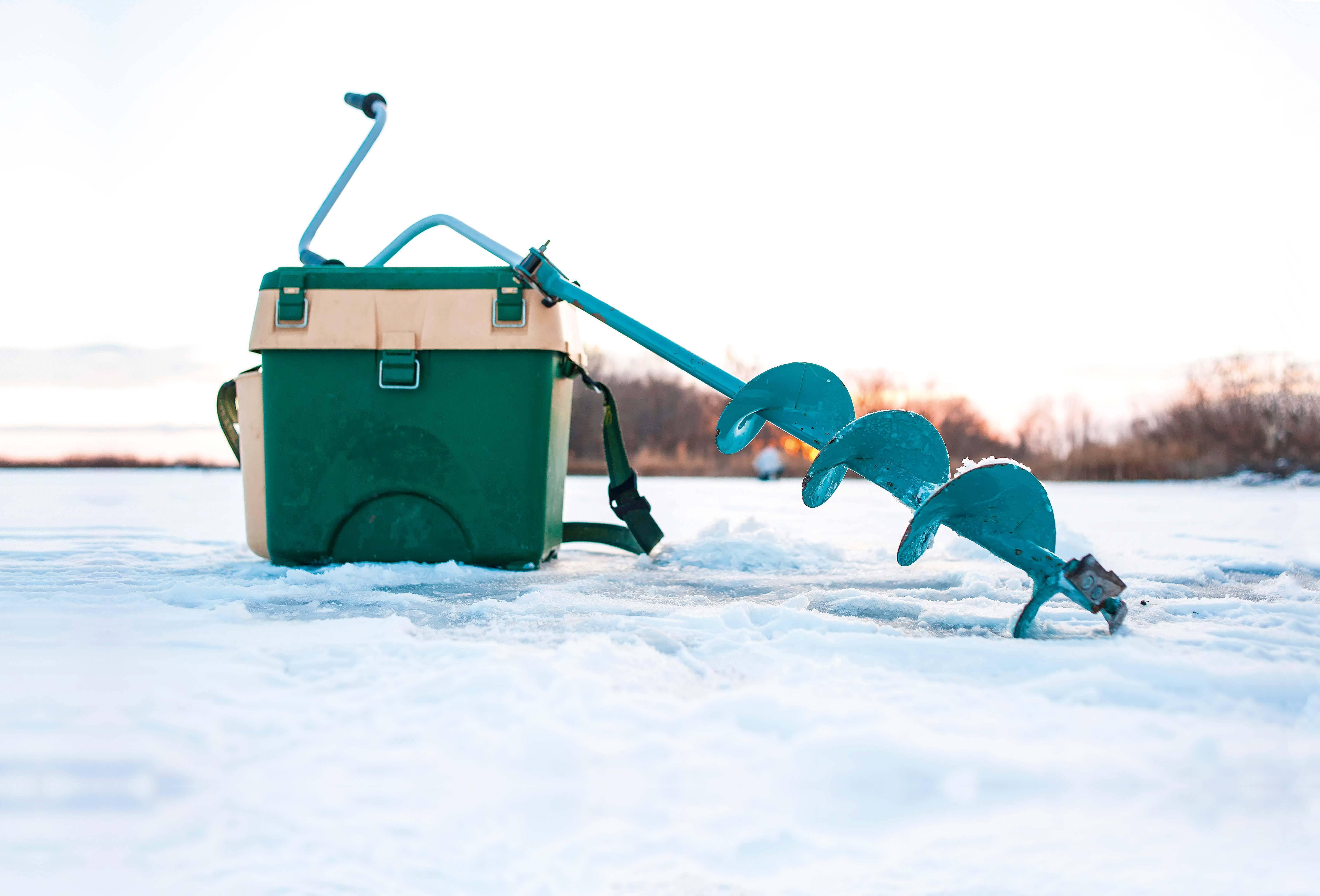 Что делать, чтобы лунка не замерзла? Три способа: классика, дедовский и «сколково»