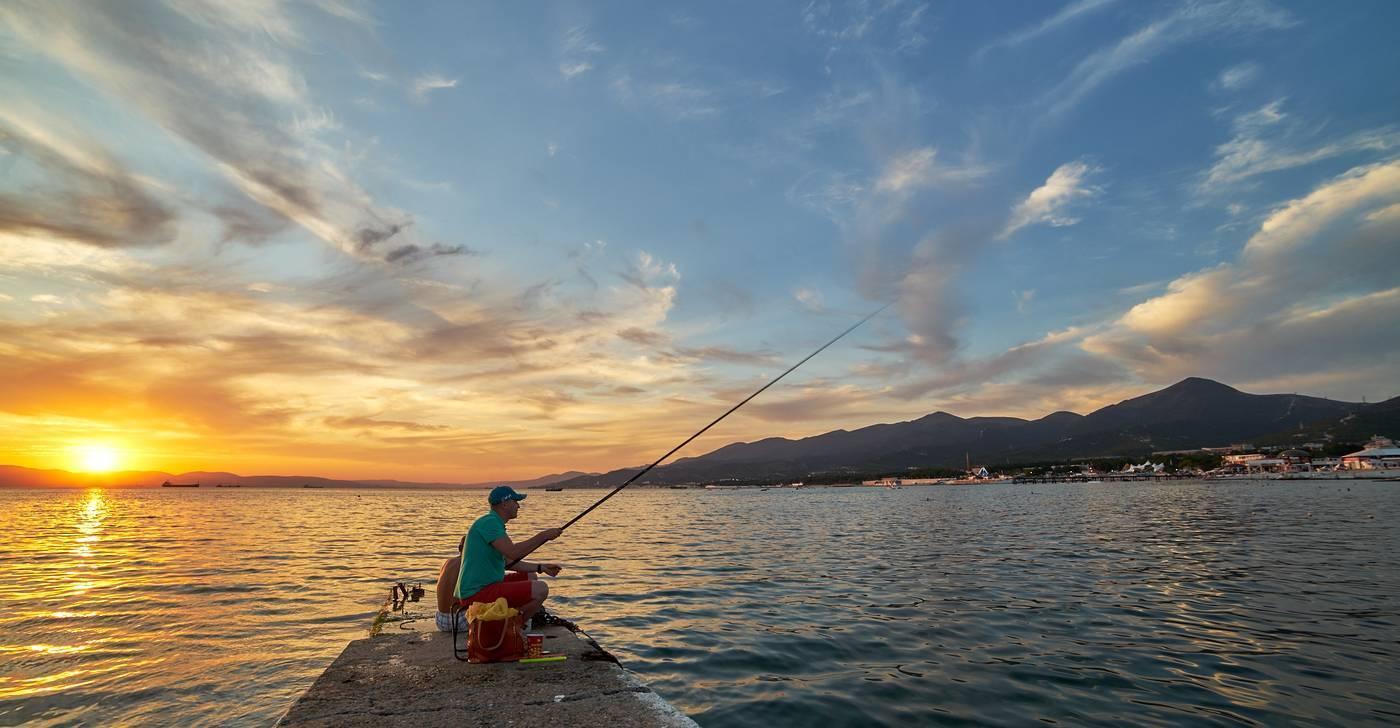 Рыбалка в адлере (на море с берега, на реке мзымта), лучшие места для вылова