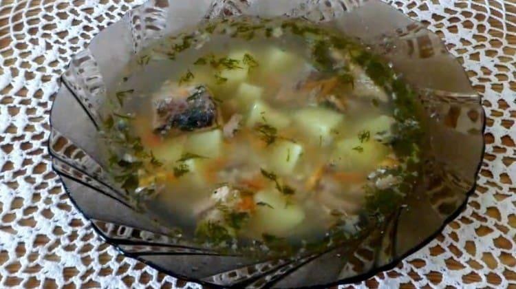 Как сварить суп из консервированной сайры с картошкой по простым и вкусным рецептам