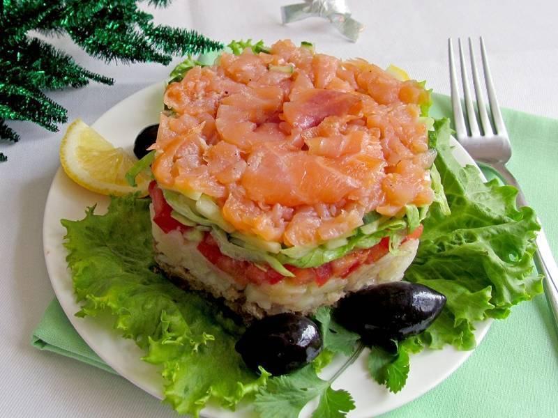 Салат с красной рыбой. подборка очень вкусных слоеных салатов с фото