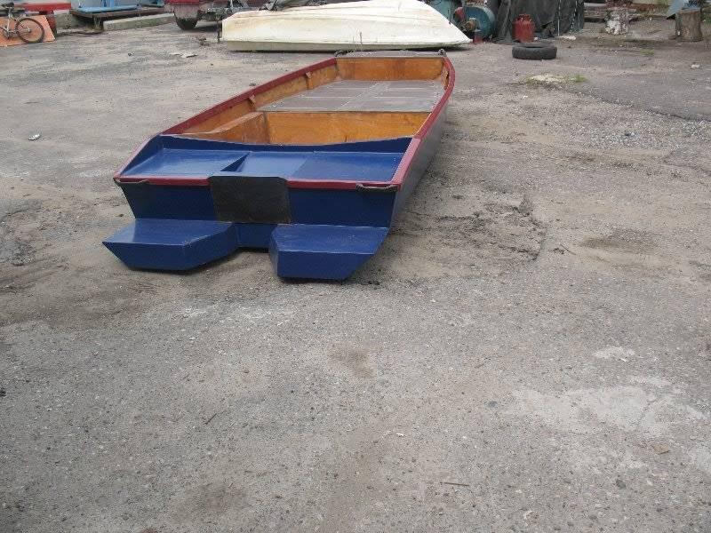 Тест лодки с туннелем под плм с винтом