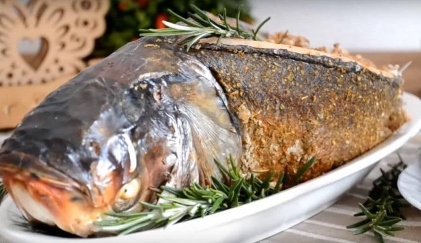 Толстолобик, запеченный в духовке с овощами - 9 пошаговых фото в рецепте