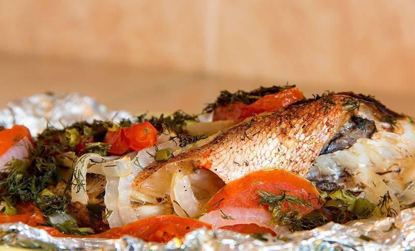 Морской окунь в духовке: 10 лучших рецептов |