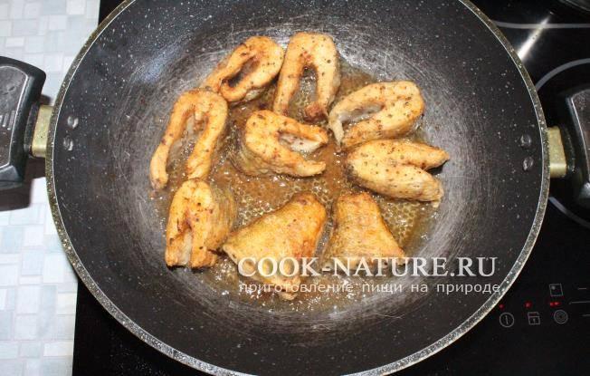 Жареная щука с луком в муке - как вкусно пожарить щуку на сковороде в домашних условиях, пошаговый рецепт с фото
