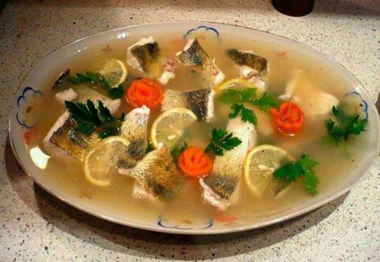 Заливная рыба (15 рецептов с фото) - рецепты с фотографиями на поварёнок.ру