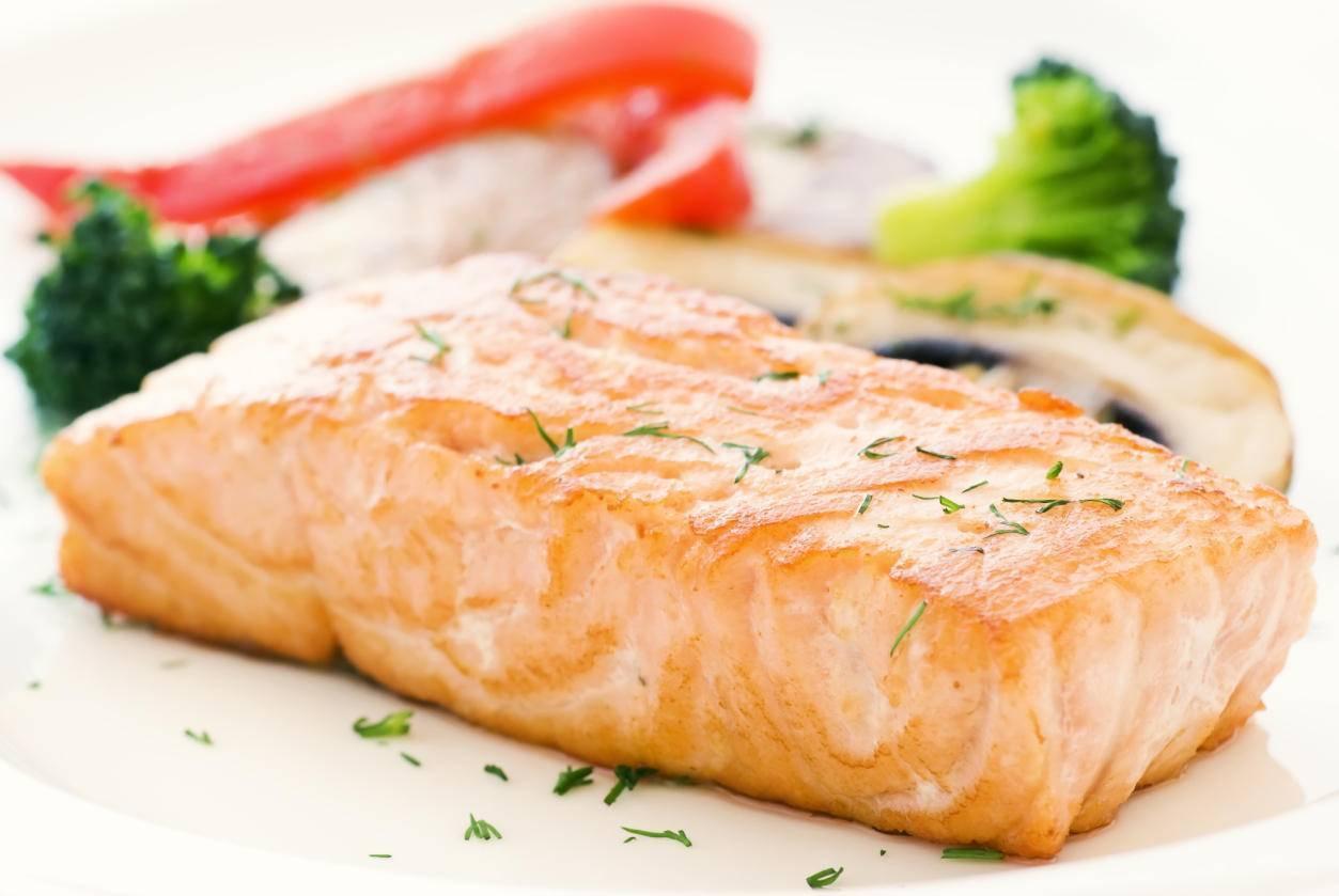 Классический стейк лосося в пароварке – кулинарный рецепт