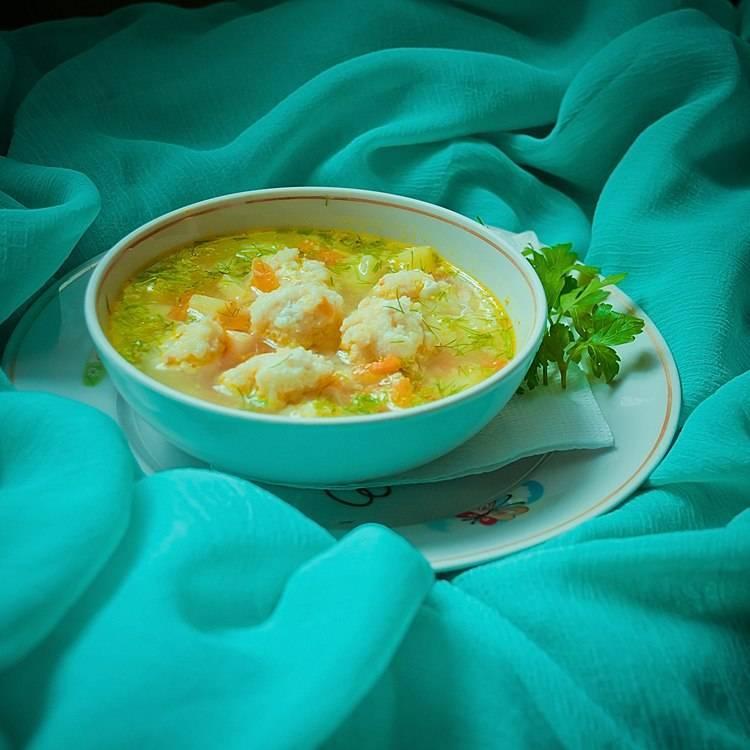Суп с рыбными фрикадельками - рецепт томатный, с картофелем