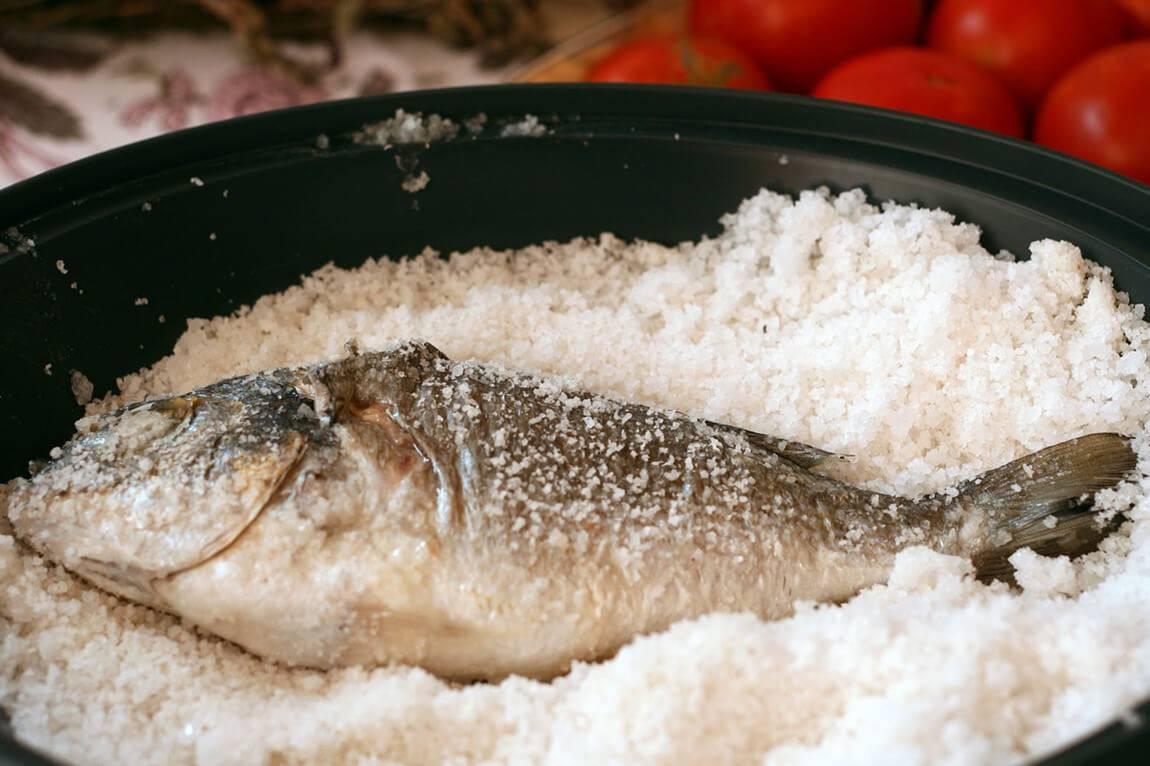 Дорадо, запеченная в соли – кулинарный рецепт
