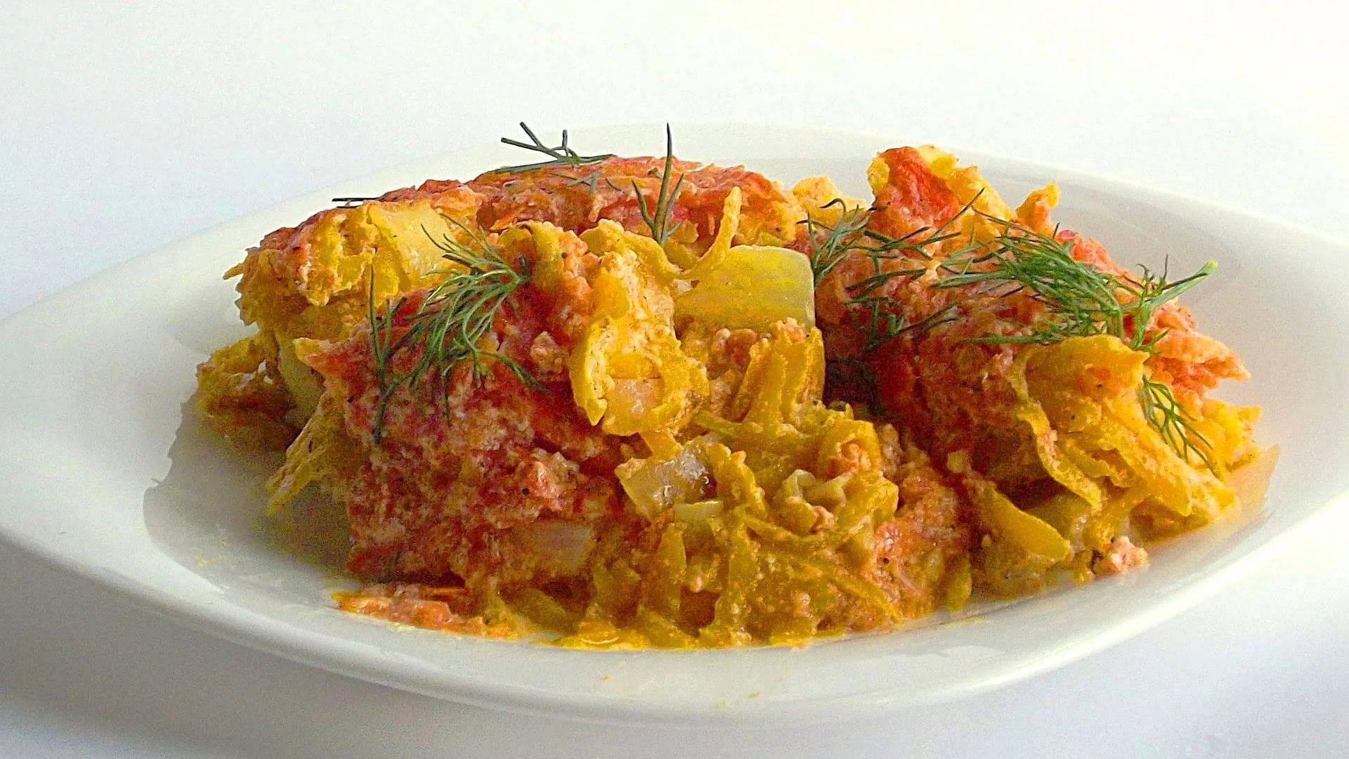 Рыба тушеная с овощами: в мультиварке, духовке, на сковороде