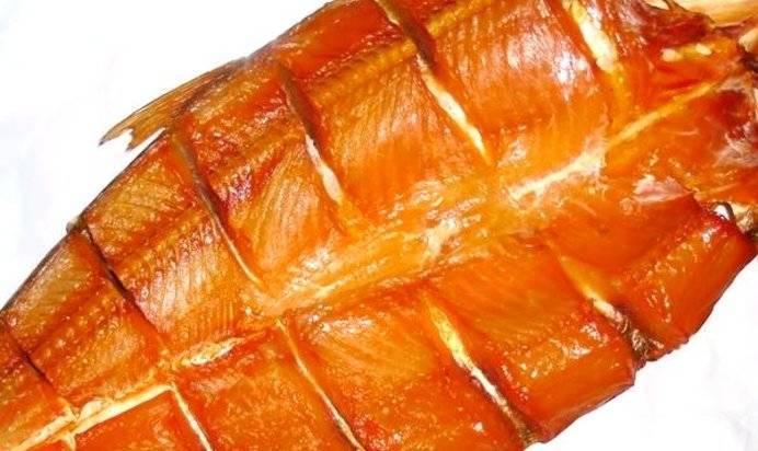 Уличная еда с рыбой в хлебе: балык экмек