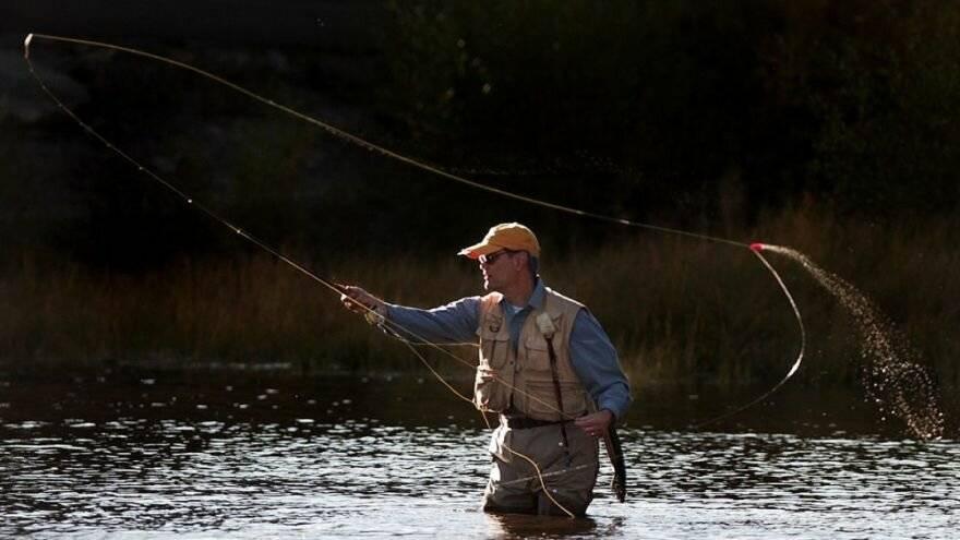 Нахлыстовая ловля для начинающих рыбаков: особенности, набор снастей и как они собираются, обучающее видео