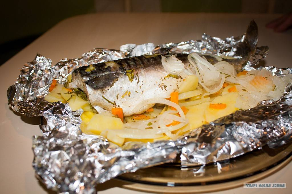Рыба в пергаменте в духовке