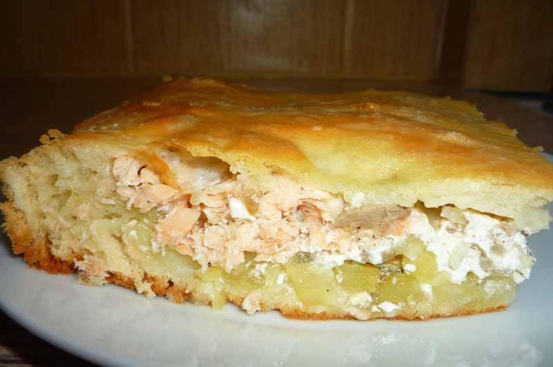 Пирог с картошкой и рыбными консервами | страна мастеров