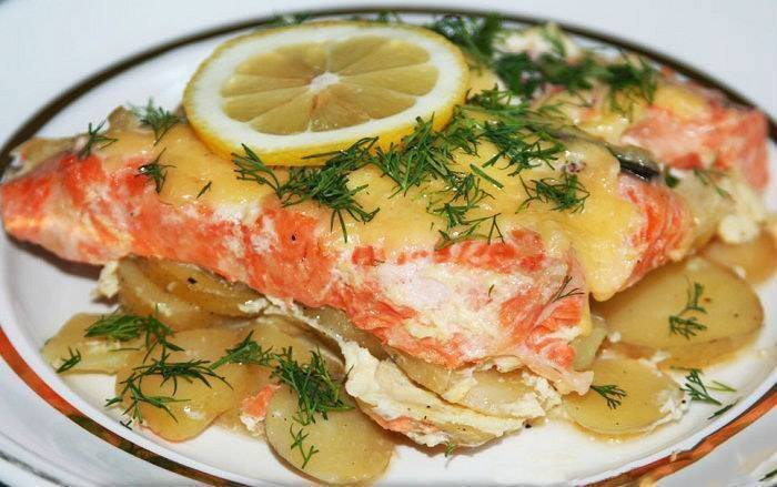 Рыба с картошкой в духовке - 131 рецепт приготовления пошагово - 1000.menu