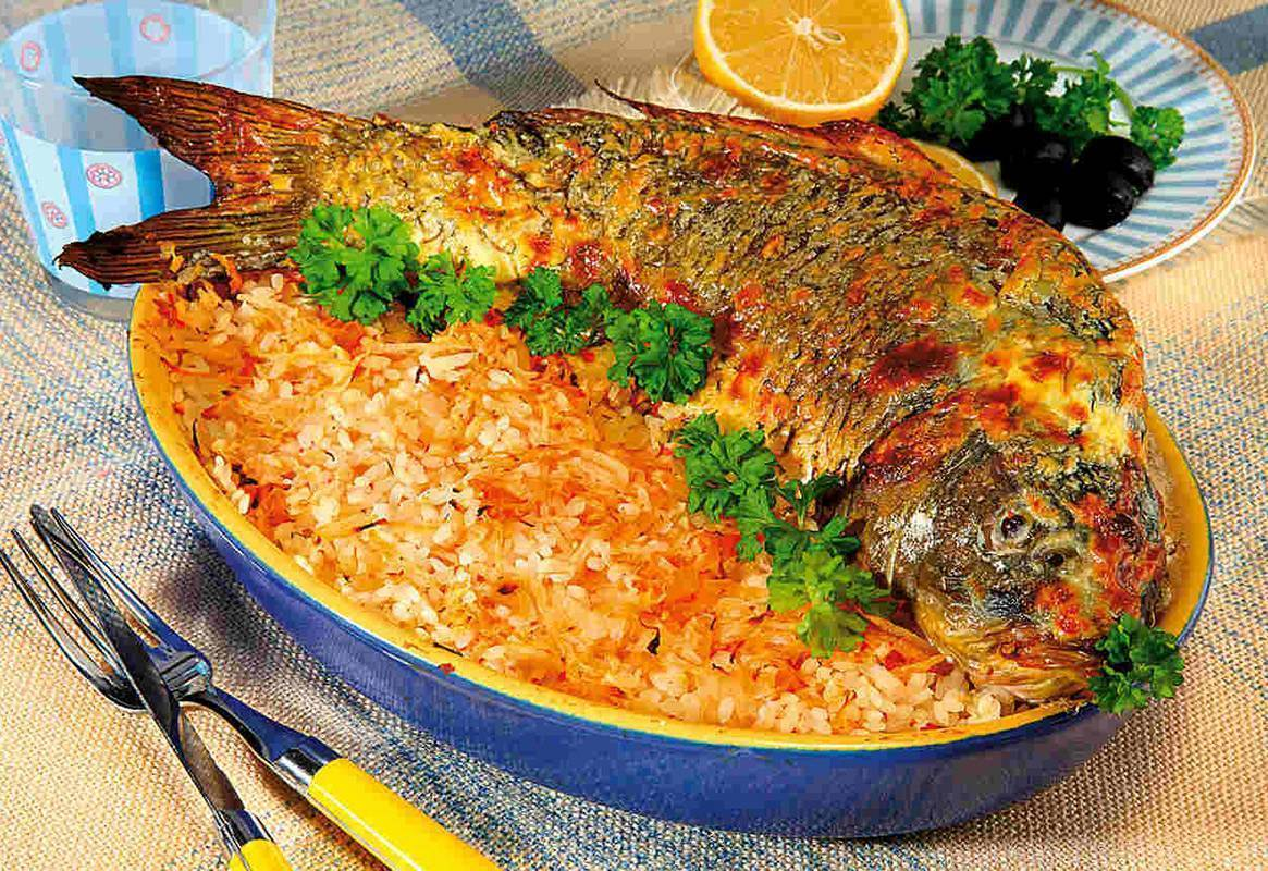 Рыба с овощами в духовке