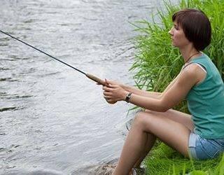 Рыба пойманная на удочку живая