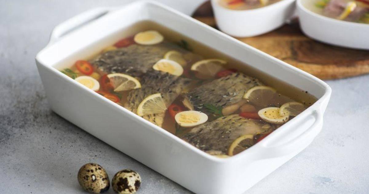 Заливное из головы карпа рецепт. как приготовить заливное из карпа. украшения из томатов