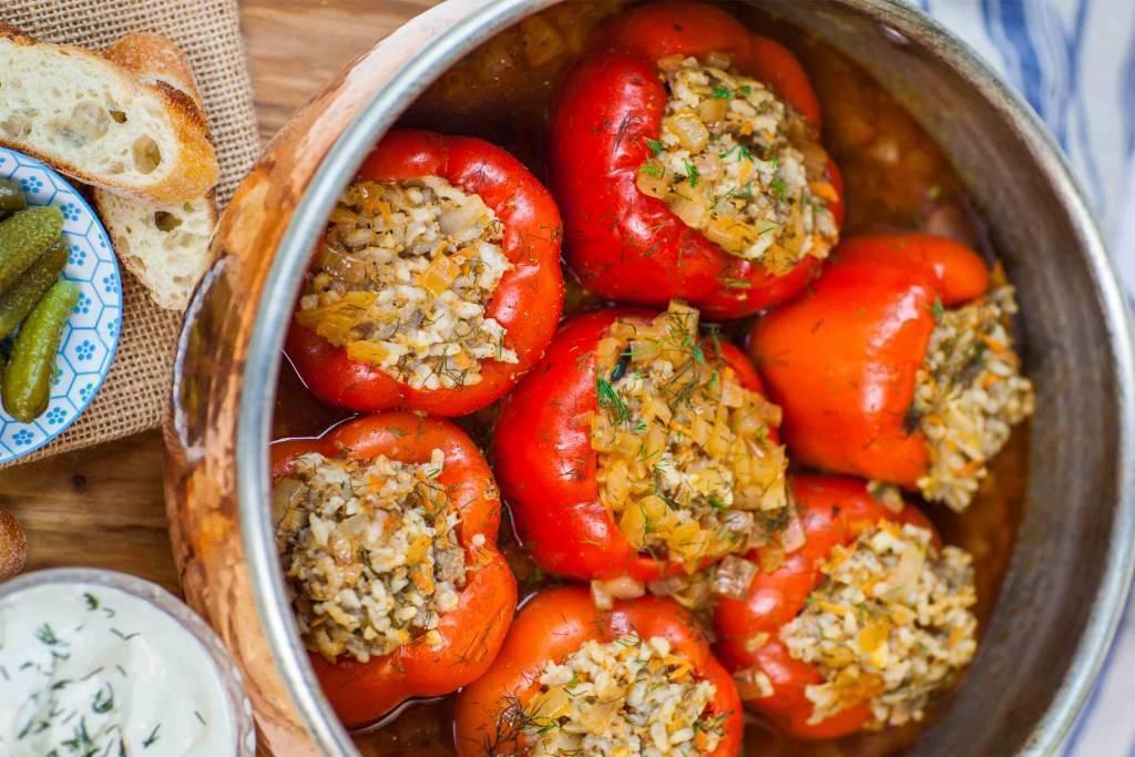 Перец фаршированный мясом и рисом — 3 самых вкусных рецепта