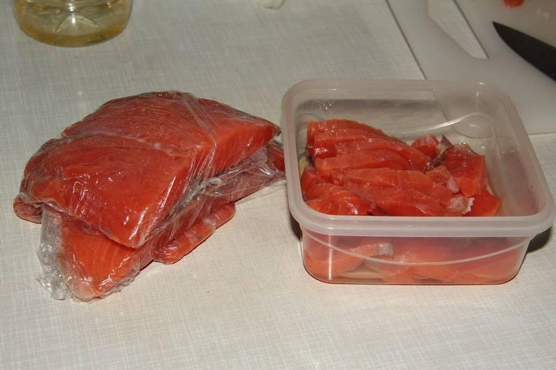 Как разморозить рыбу быстро и правильно: эффективные подсказки, которые не дадут вам испортить продукт